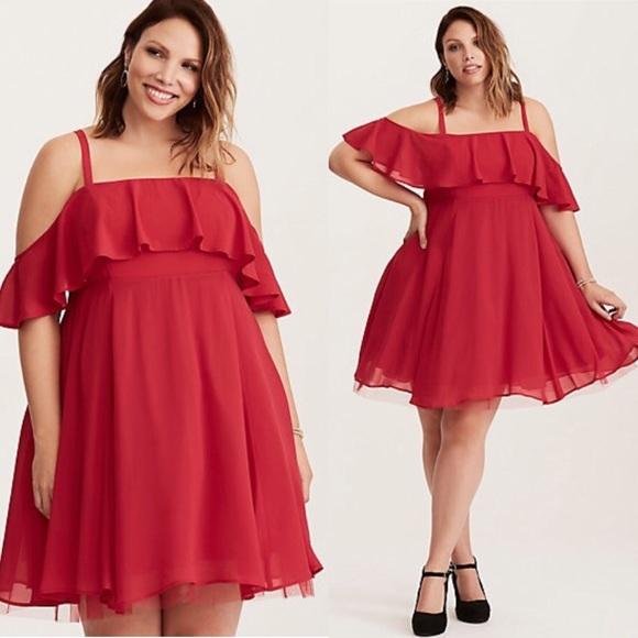 13faf5f8d3d Red Chiffon Off Shoulder Skater Dress. M 5b252a3baaa5b8f191e1b84d